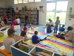 Médiathèque de Presles-en-Brie : Biblio-plage avec le centre de loisirs